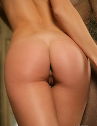 """Presenting TOP rated nude IVETA B in """"Gallery"""" - special THANKS to Watch4beauty.com"""